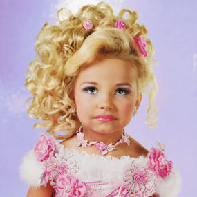 Homemade Halloween: Toddlers and Tiaras Costume