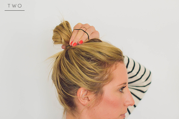 messy-bun-step2