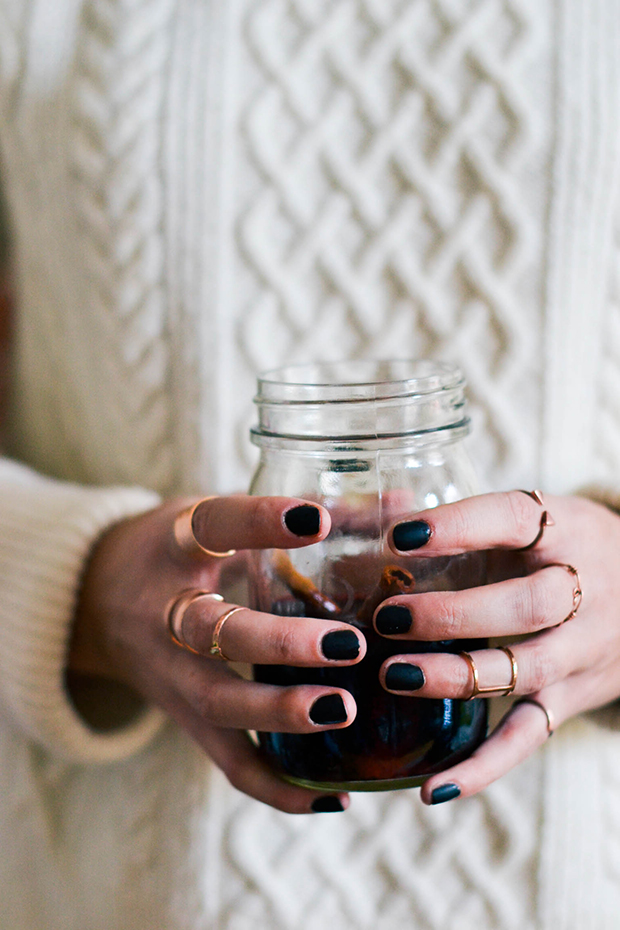 black_nails_wine