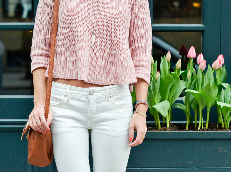 spring outfit white denim