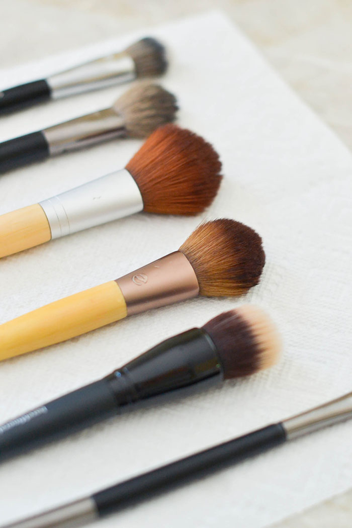 How to Clean Your Makeup Brushes the Simple Way