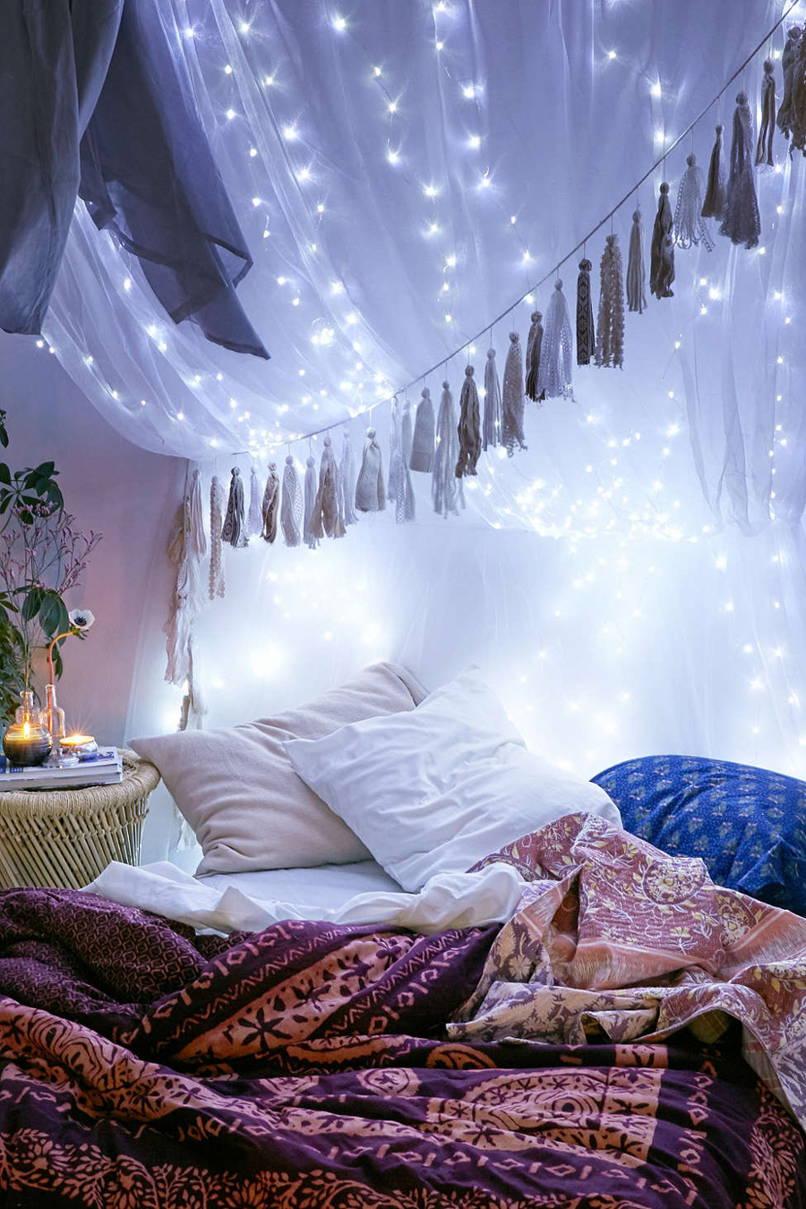 valentine's day ideas romantic cozy living room fort urban outfitters