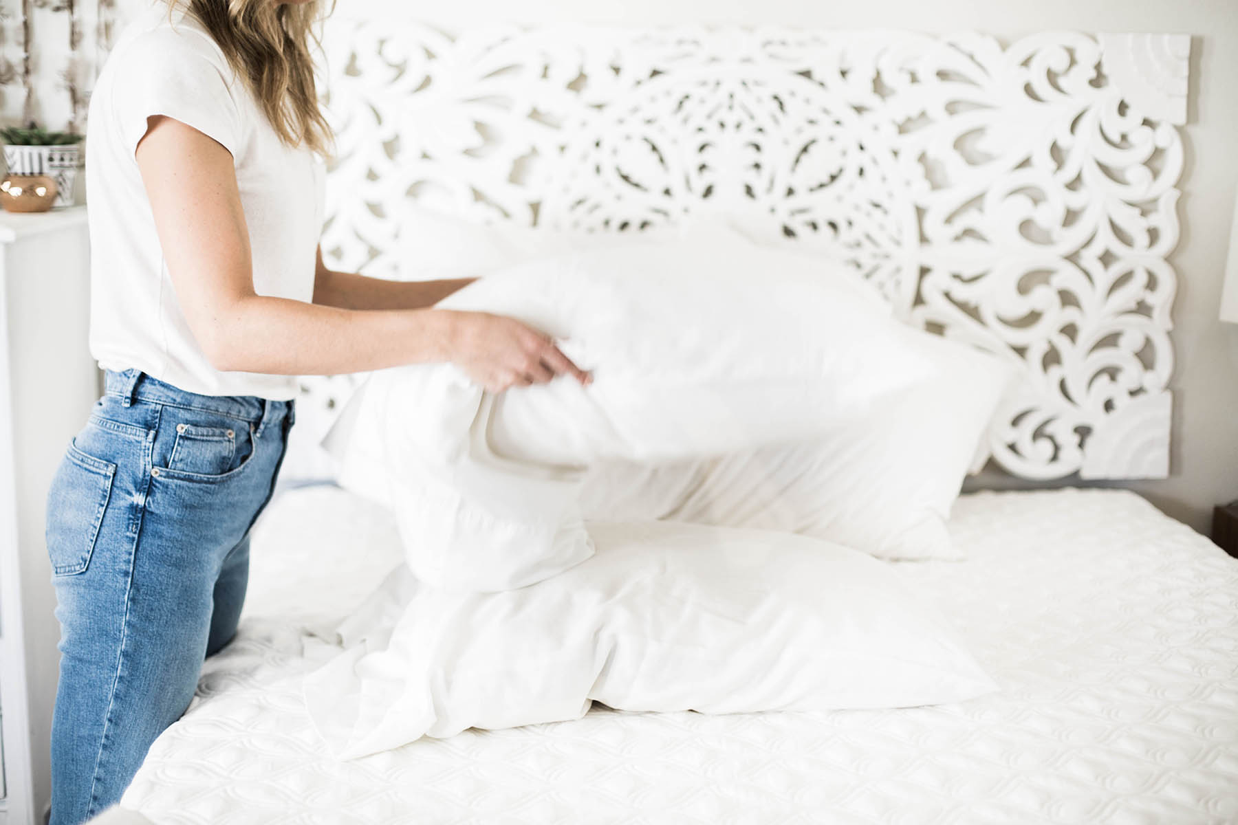 Amanda Holstein fluffing pillow, bedding basics