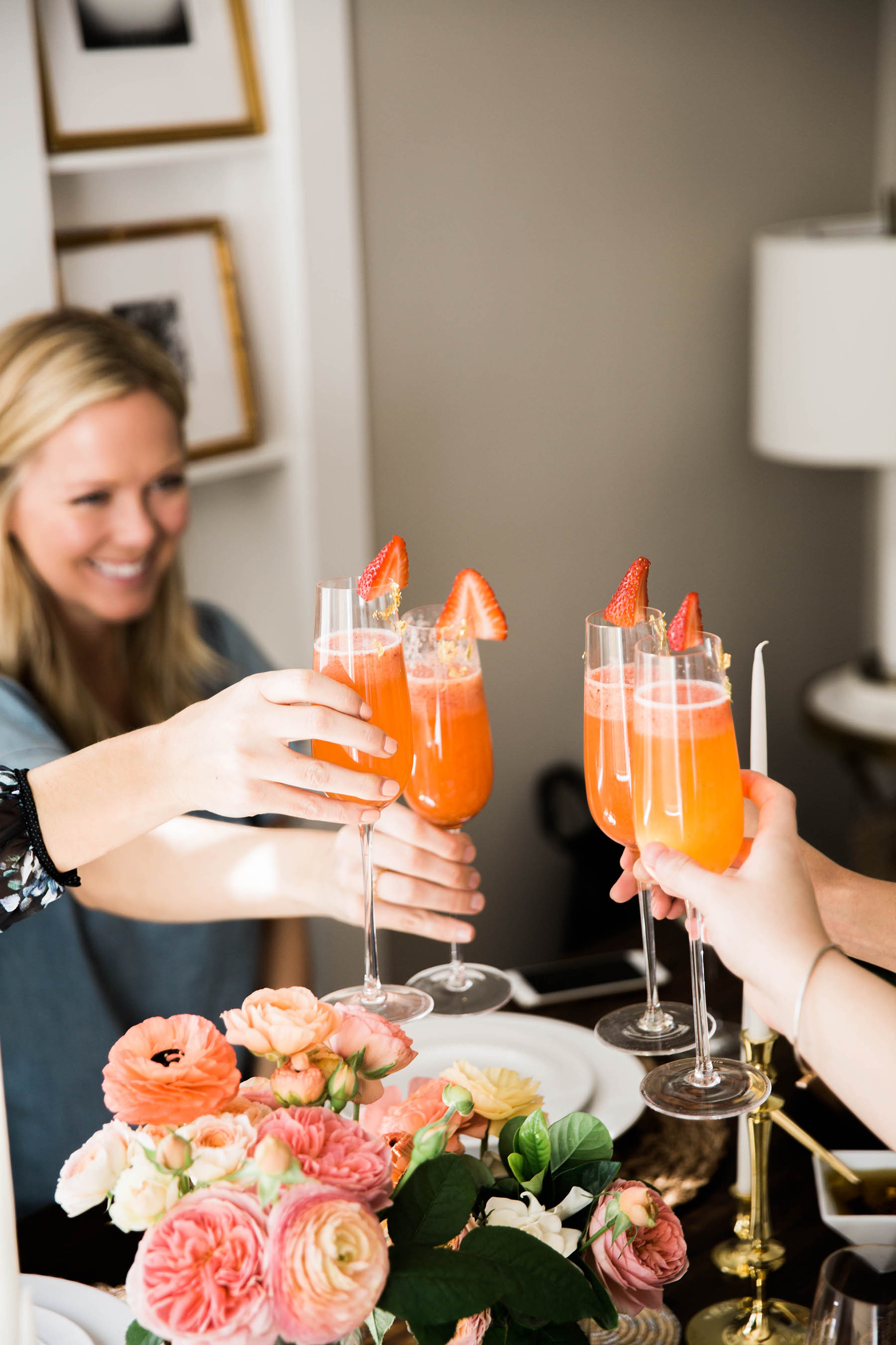 san francisco bloggers cheers with bellinis at a spring brunch
