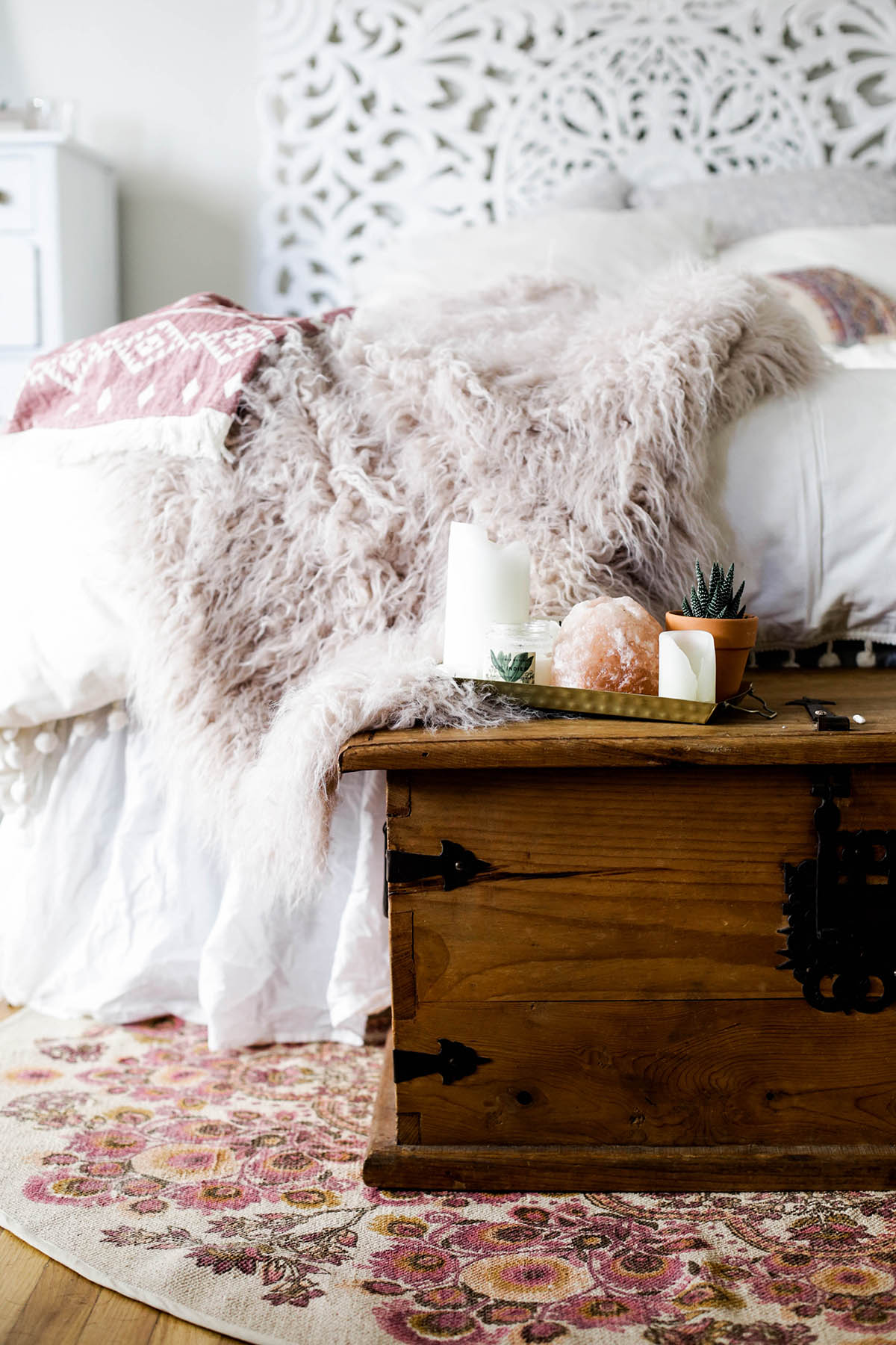 How to brighten up your bedroom for summer advice from a for Chambre urban outfitters