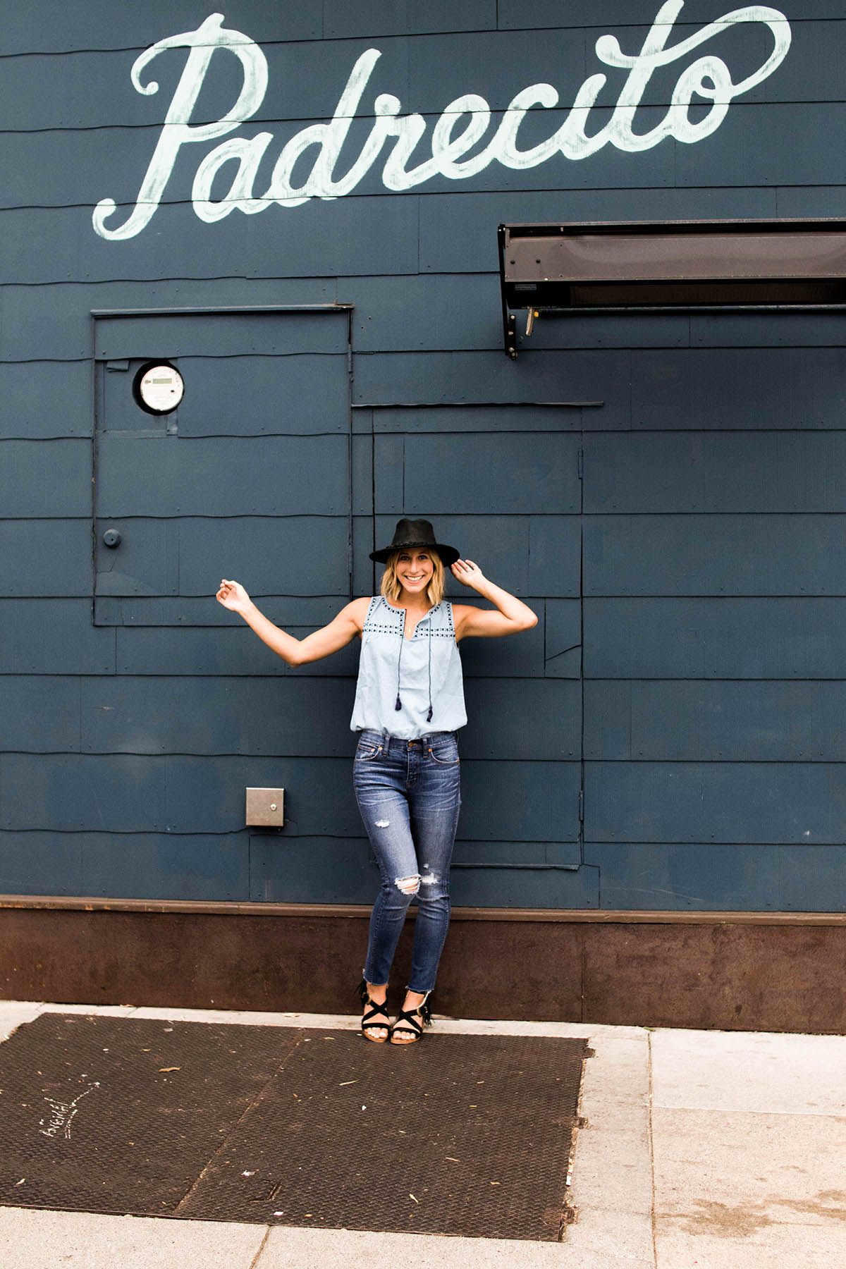 madewell distressed skinny jeans outfit