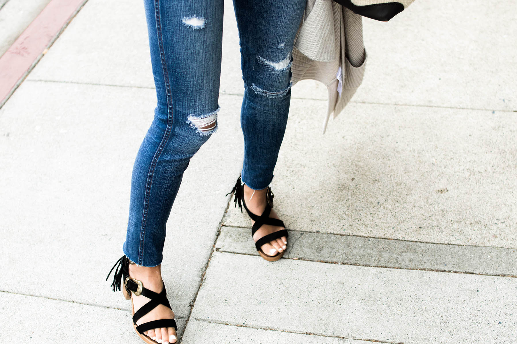 madewell distressed skinny jeans and matisse sandals