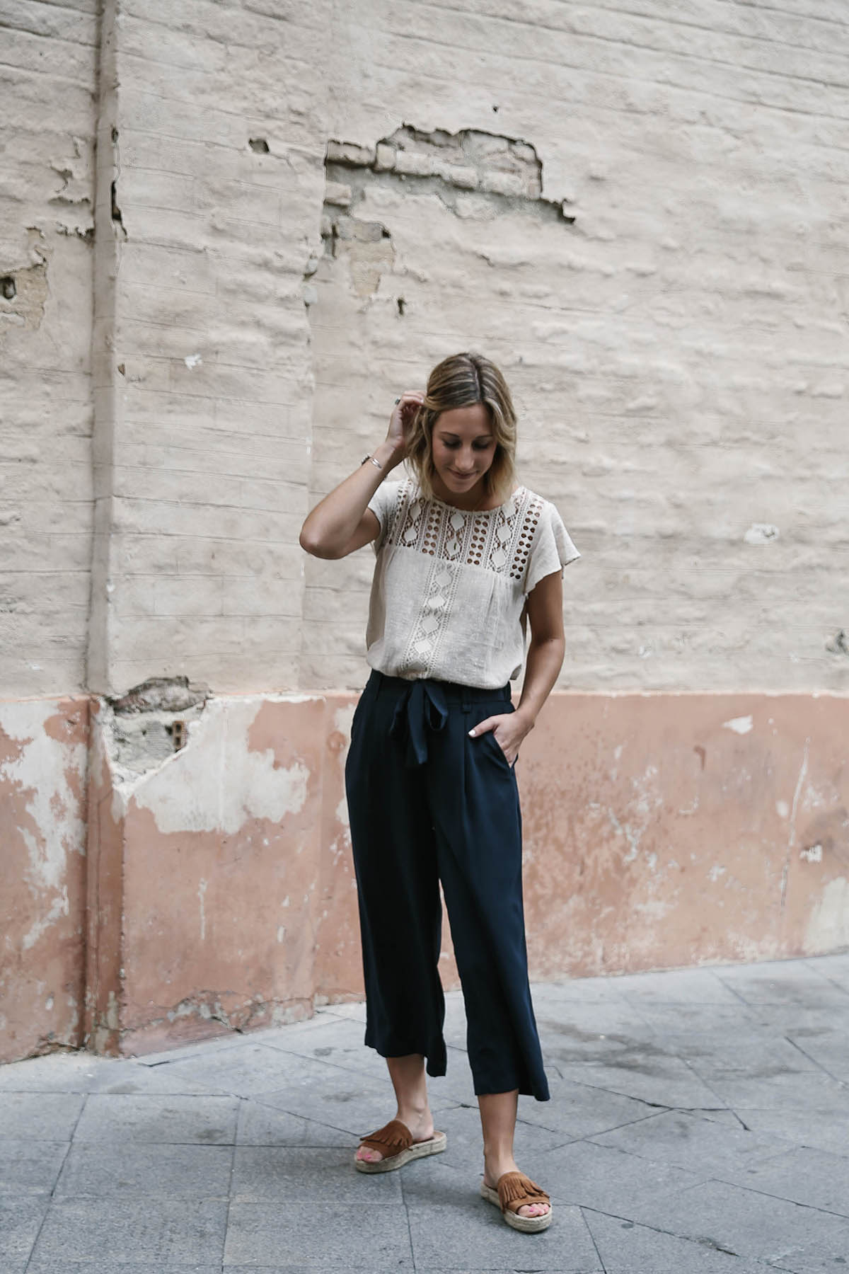 navy culottes outfit with espadrilles and crochet top