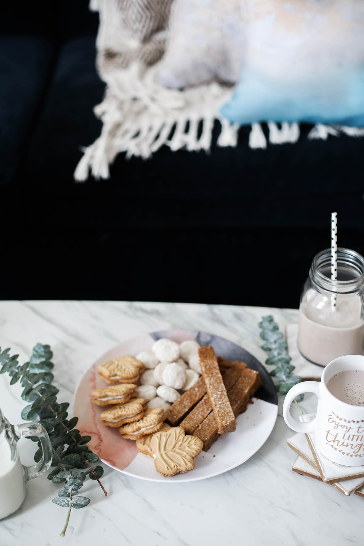 holiday cookies on shutterfly plates and shutterfly mugs