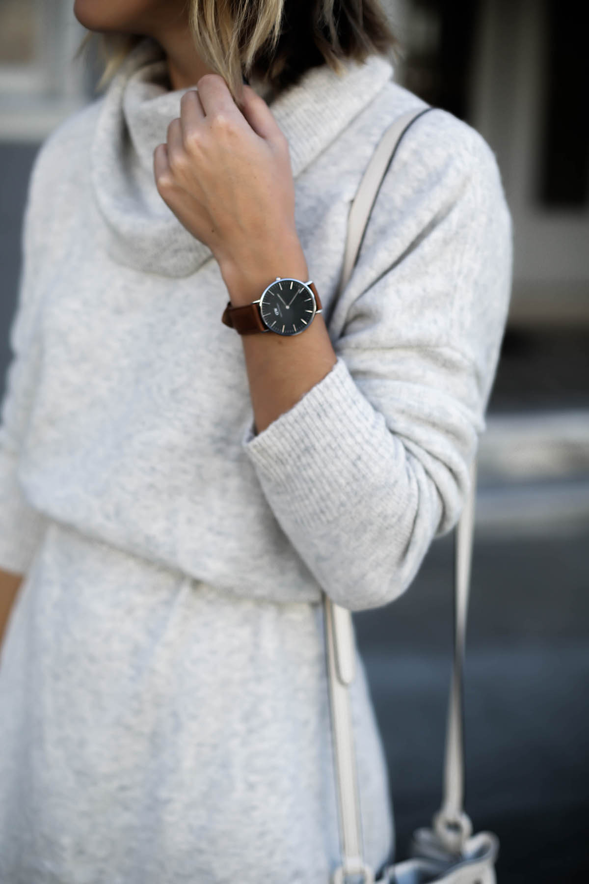 gray sweater dress and daniel wellington watch thanksgiving outfit