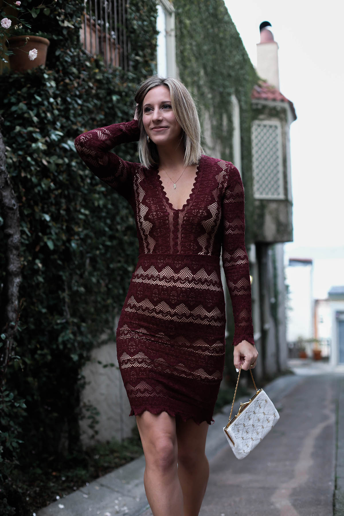 red lace holiday dresses