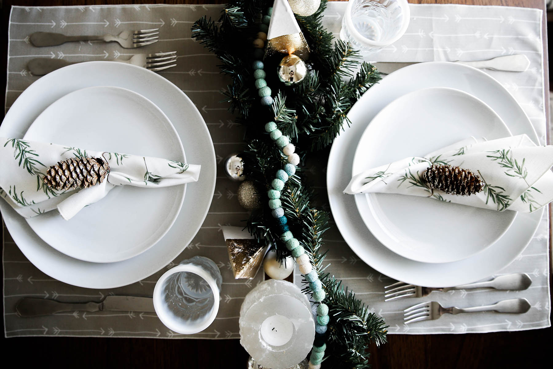 earthy holiday tablescape idea with Minted