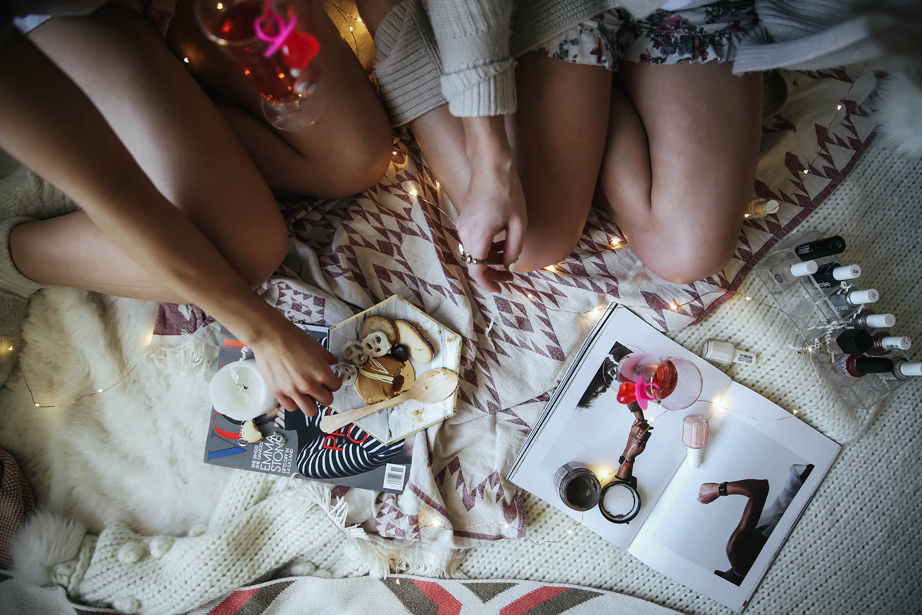 How to Host a Memorable Girls Night In for Valentine's Day