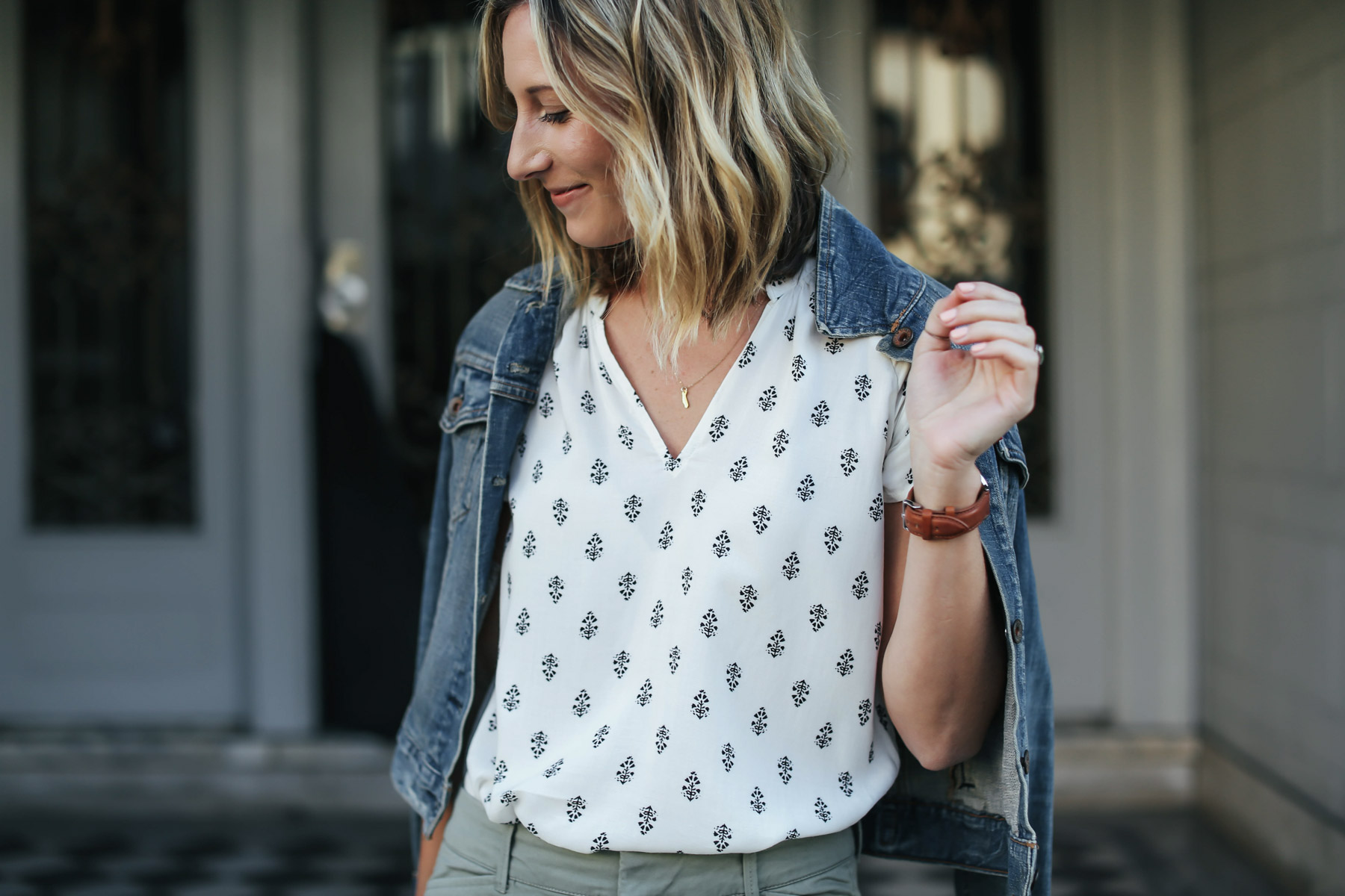 old navy boho top, cropped pants and denim jacket spring work outfit