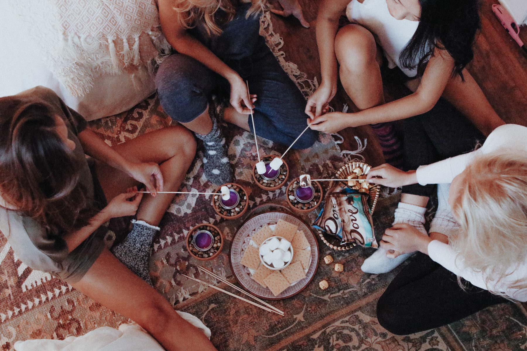 5 Ideas for the Ultimate Girls Night In