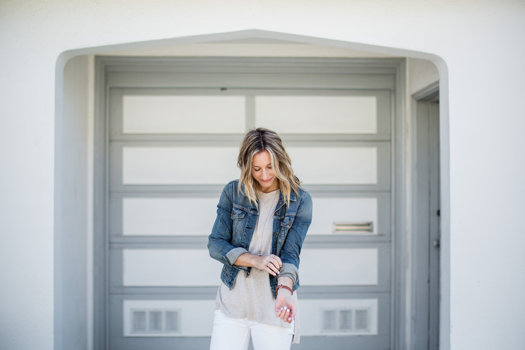 basic outfits with white jeans, tee shirt, and denim jacket