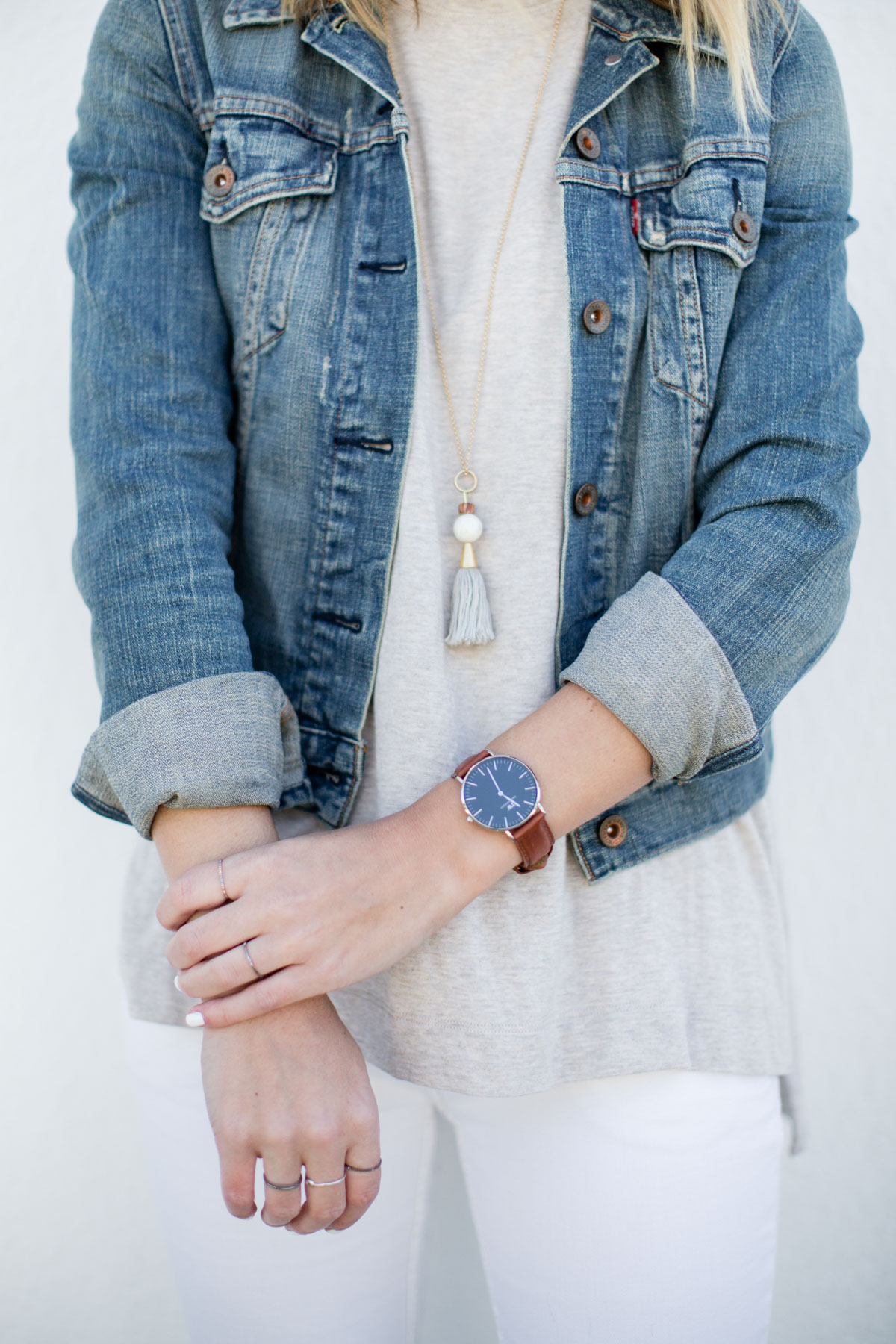 basic outfits with denim jacket and tassel necklace