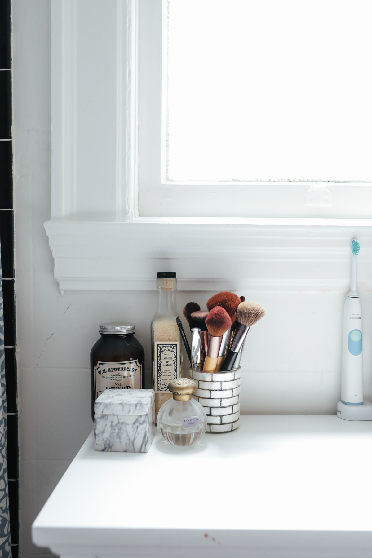 How to keep a clean bathroom - Keep Easy Cleaning Products On Hand