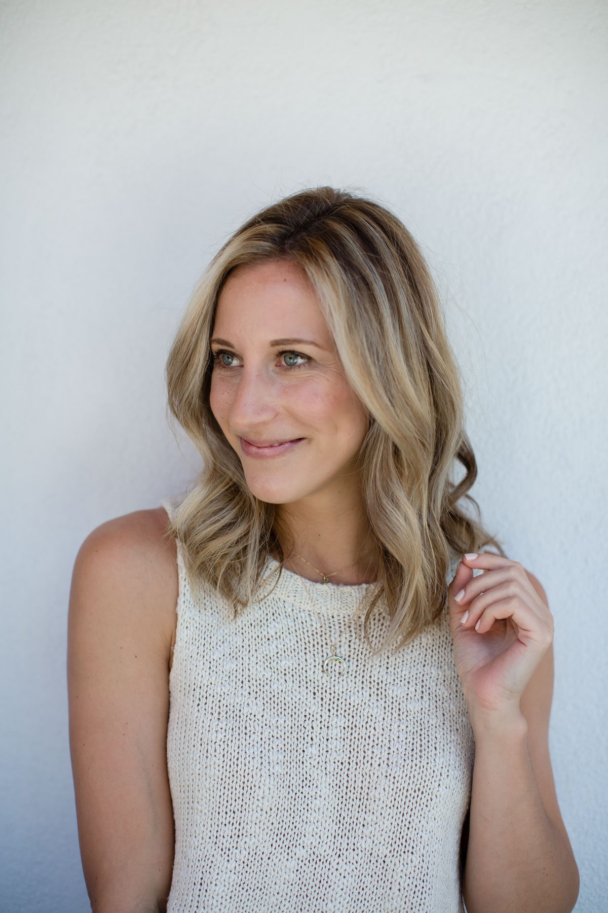 long bob with natural cool dirty blonde hair color
