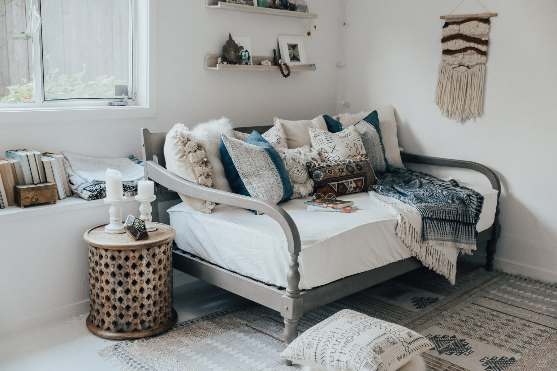 Daybed Studio Apartment