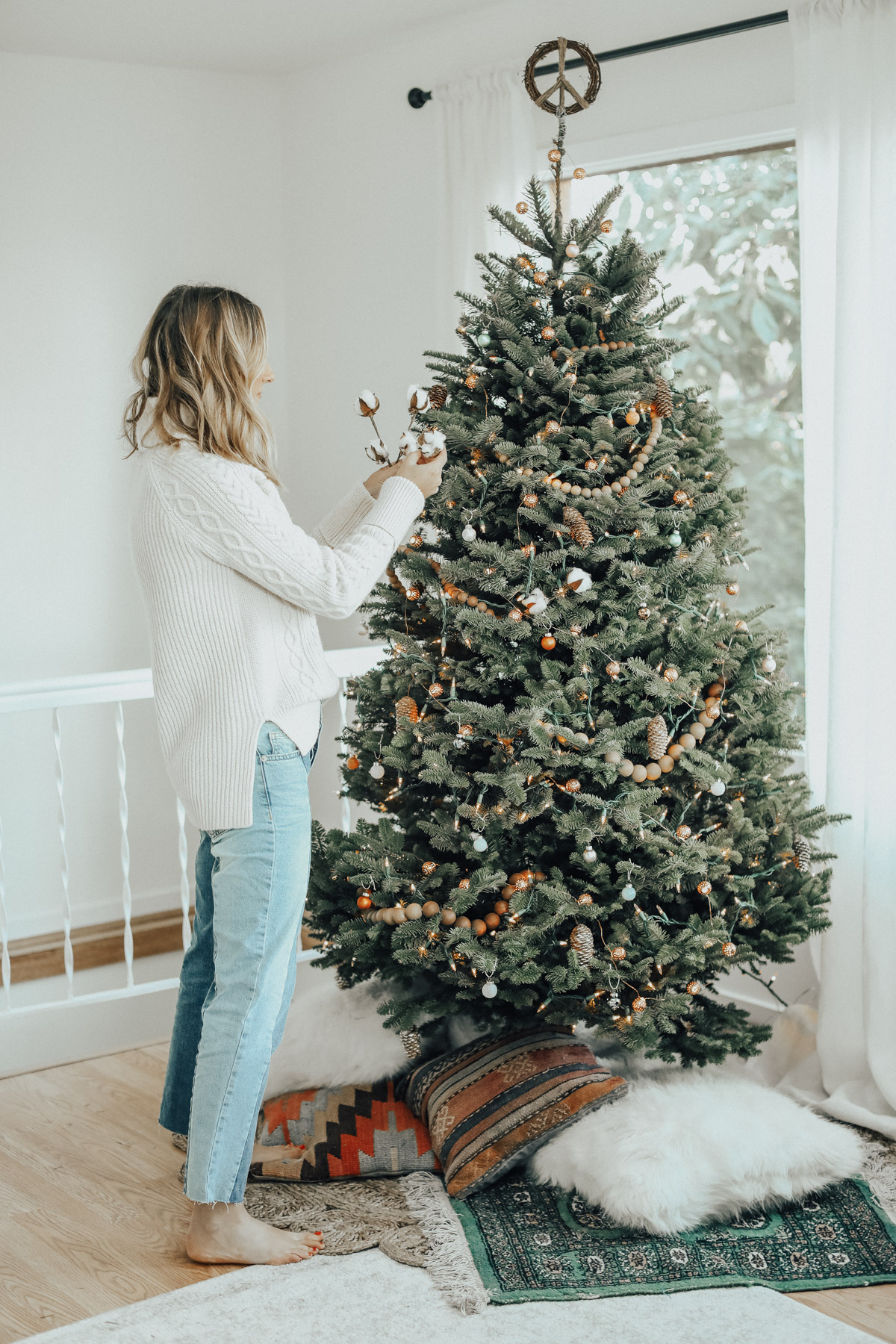 How to Decorate a Bohemian Christmas Tree