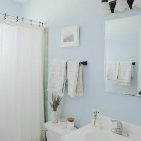 Easy Ways to Update Your Rental Bathroom