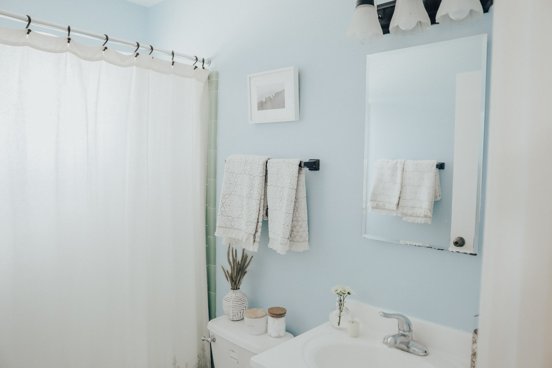 Easy Ways to Update Your Rental Bathroom