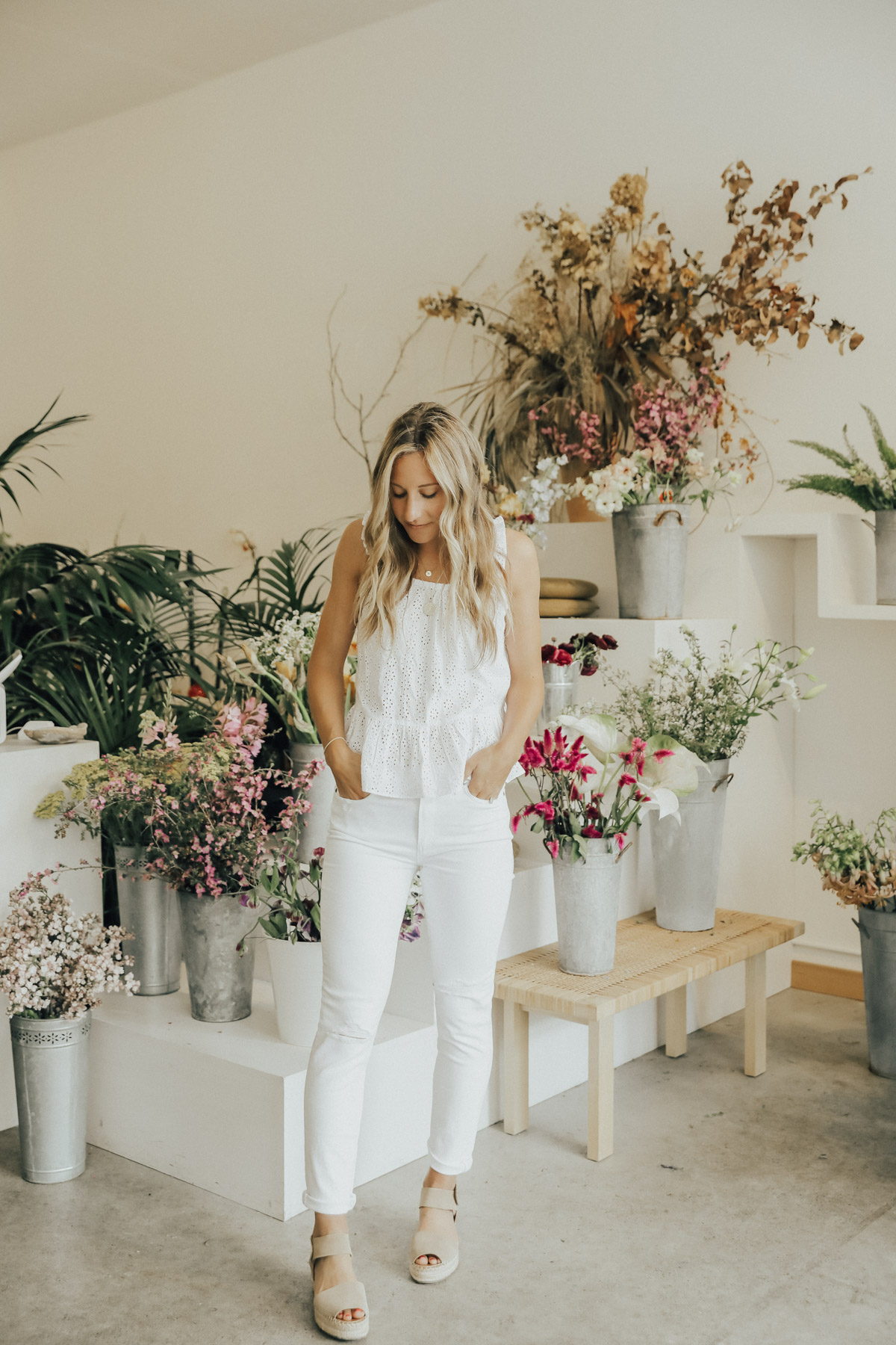 trunk club all white outfit madewell top paige denim