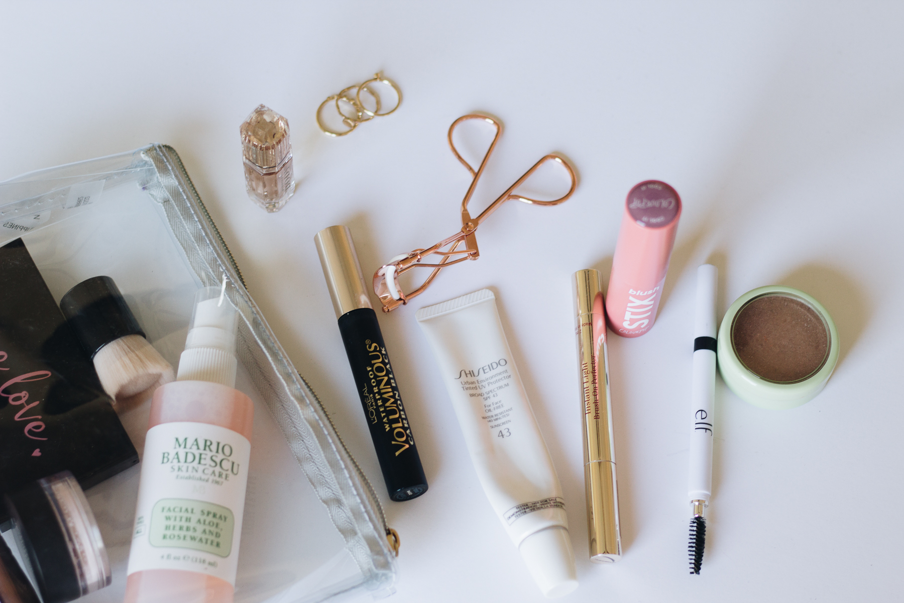 11 Essentials to Keep in Your Travel Makeup Bag