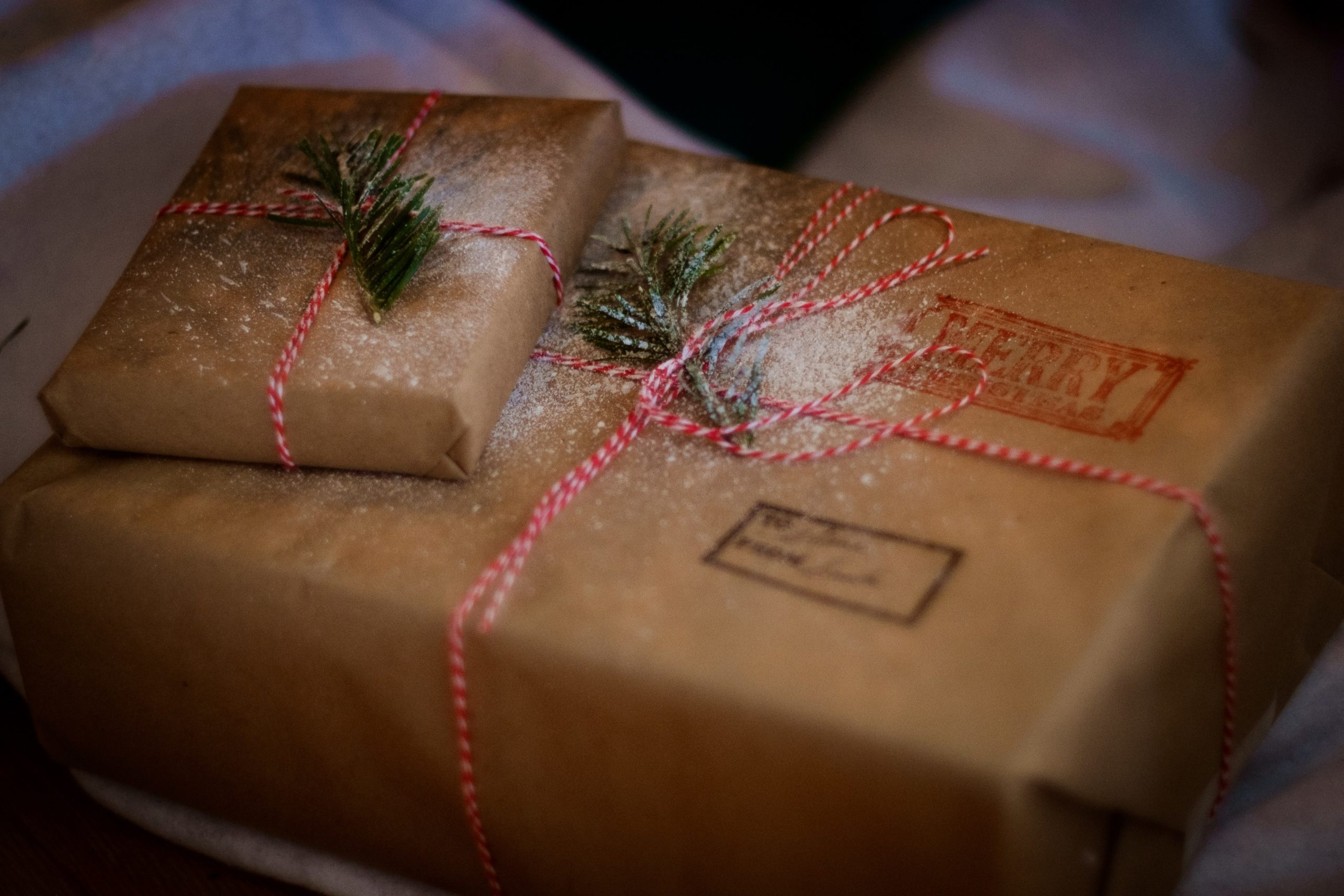 5 Ways to Stick to a Holiday Budget and Buy for Everyone on Your List